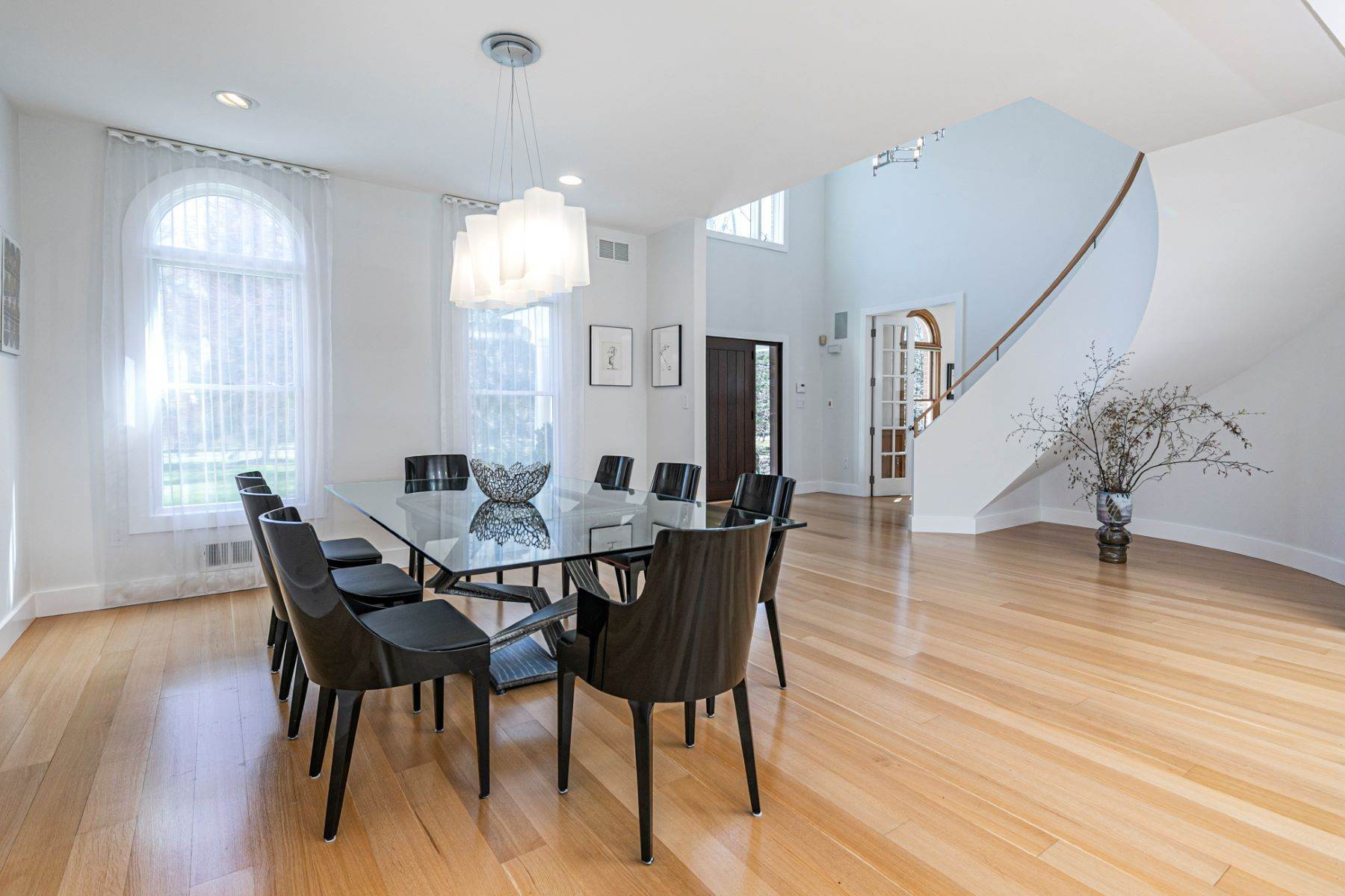 9. Single Family Homes για την Πώληση στο A Bold Renovation Results in Bright Modern Spaces 97 & 95 Penn Lyle Road, Princeton Junction, Νιου Τζερσεϋ 08550 Ηνωμένες Πολιτείες