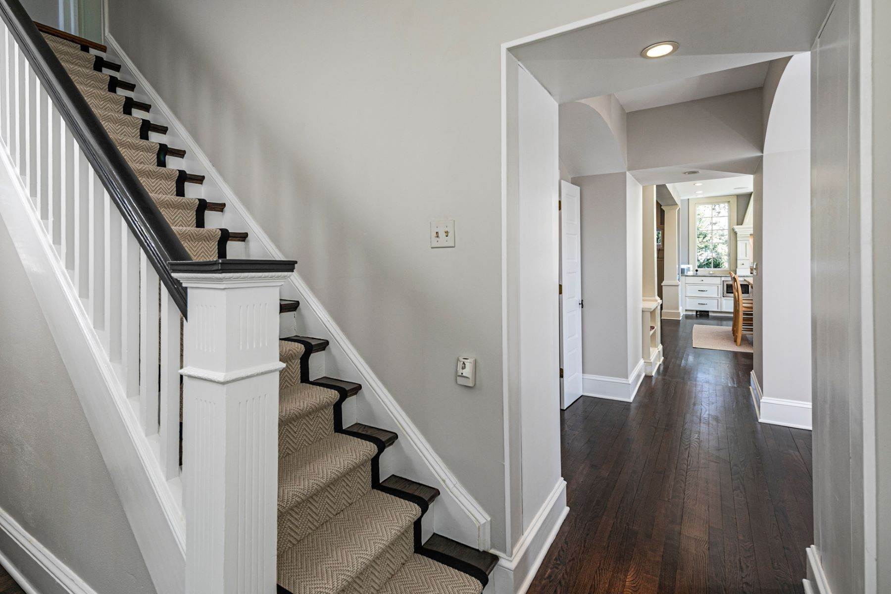 5. Single Family Homes for Sale at Picture Perfect Home Steps From Main Street 10 Green Avenue, Lawrenceville, New Jersey 08648 United States