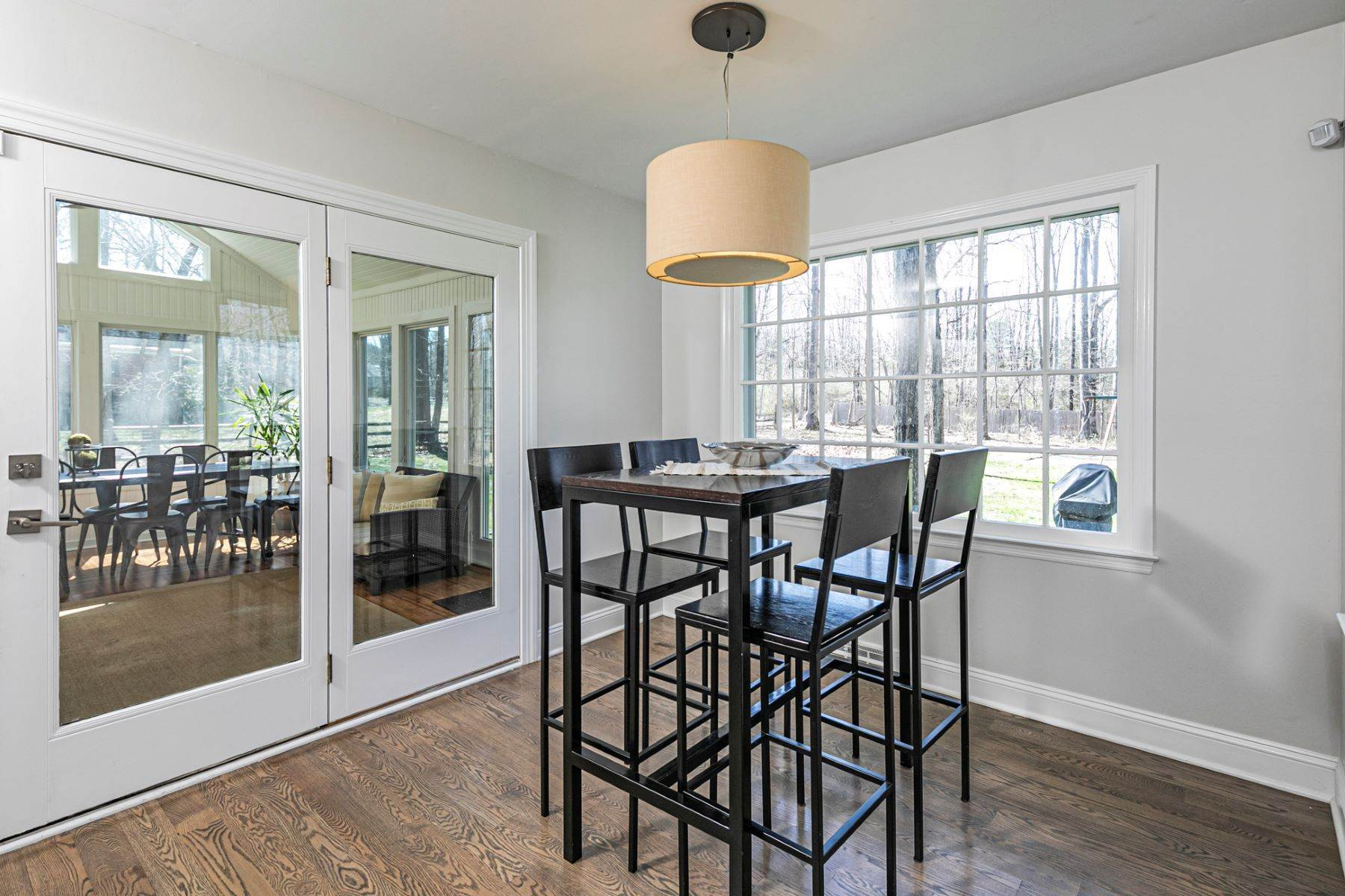 19. Single Family Homes for Sale at A New Kitchen And Updated Baths Make This Home Sparkle 91 West Shore Drive, Pennington, New Jersey 08534 United States