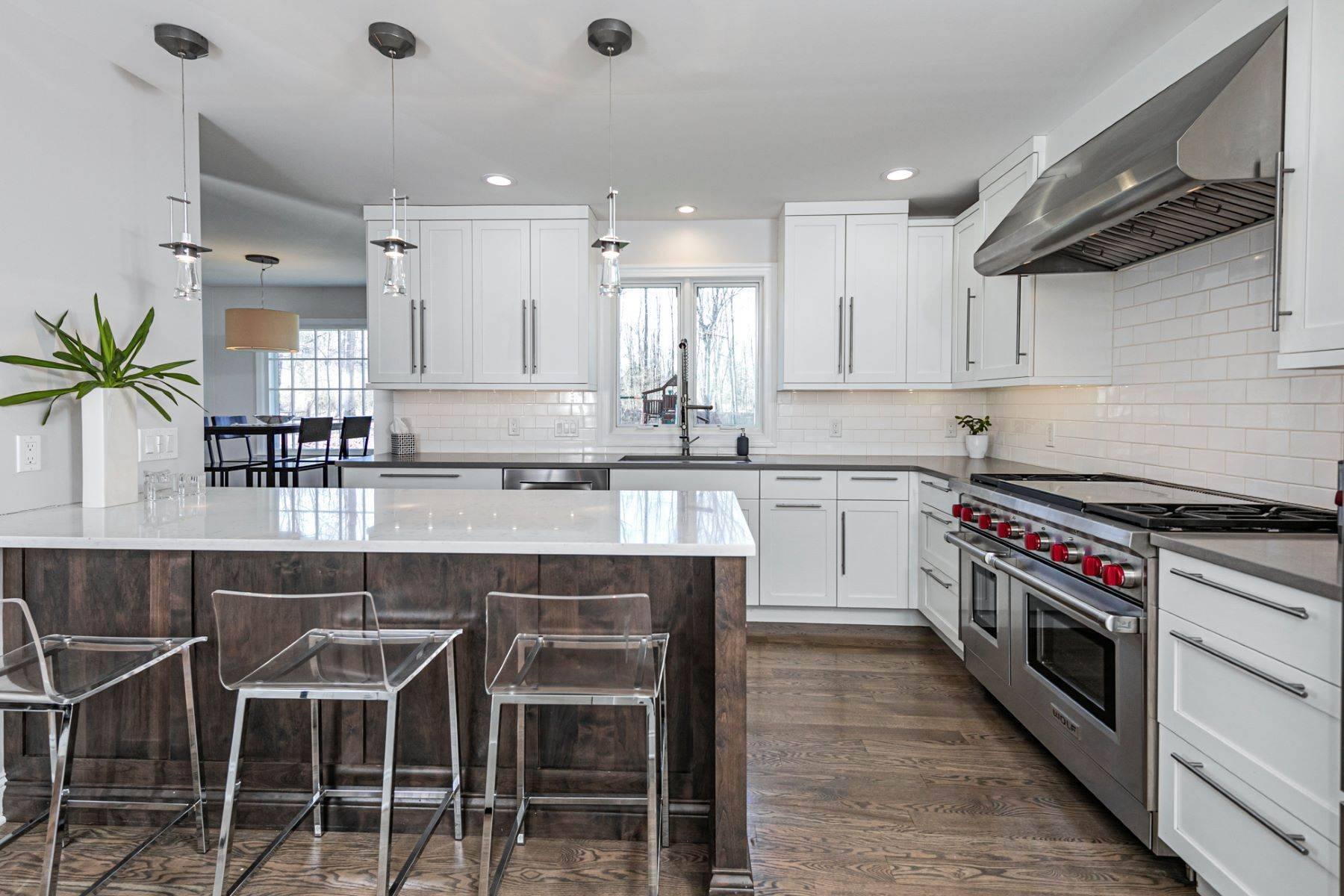 12. Single Family Homes for Sale at A New Kitchen And Updated Baths Make This Home Sparkle 91 West Shore Drive, Pennington, New Jersey 08534 United States