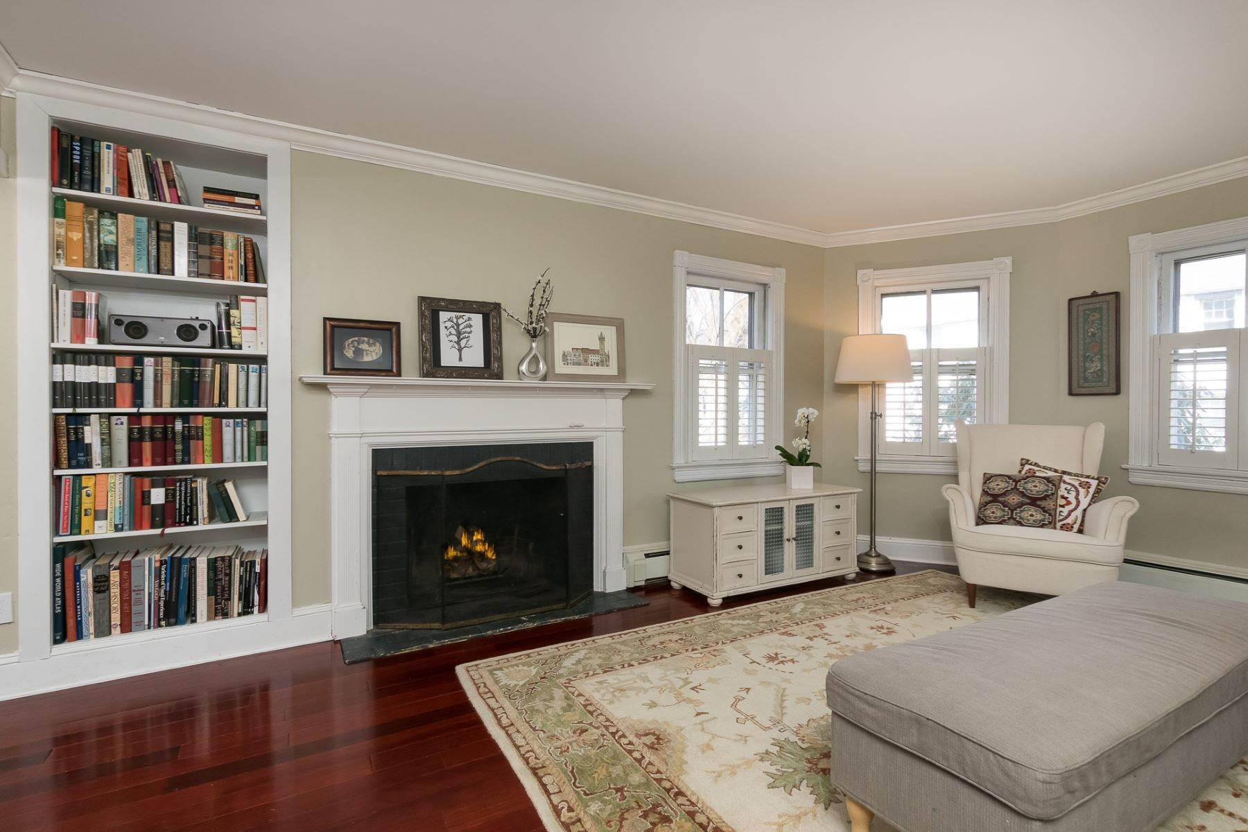 7. Single Family Homes for Sale at Storybook Home on a Stroll-Everywhere Street 5 Titus Avenue, Lawrenceville, New Jersey 08648 United States