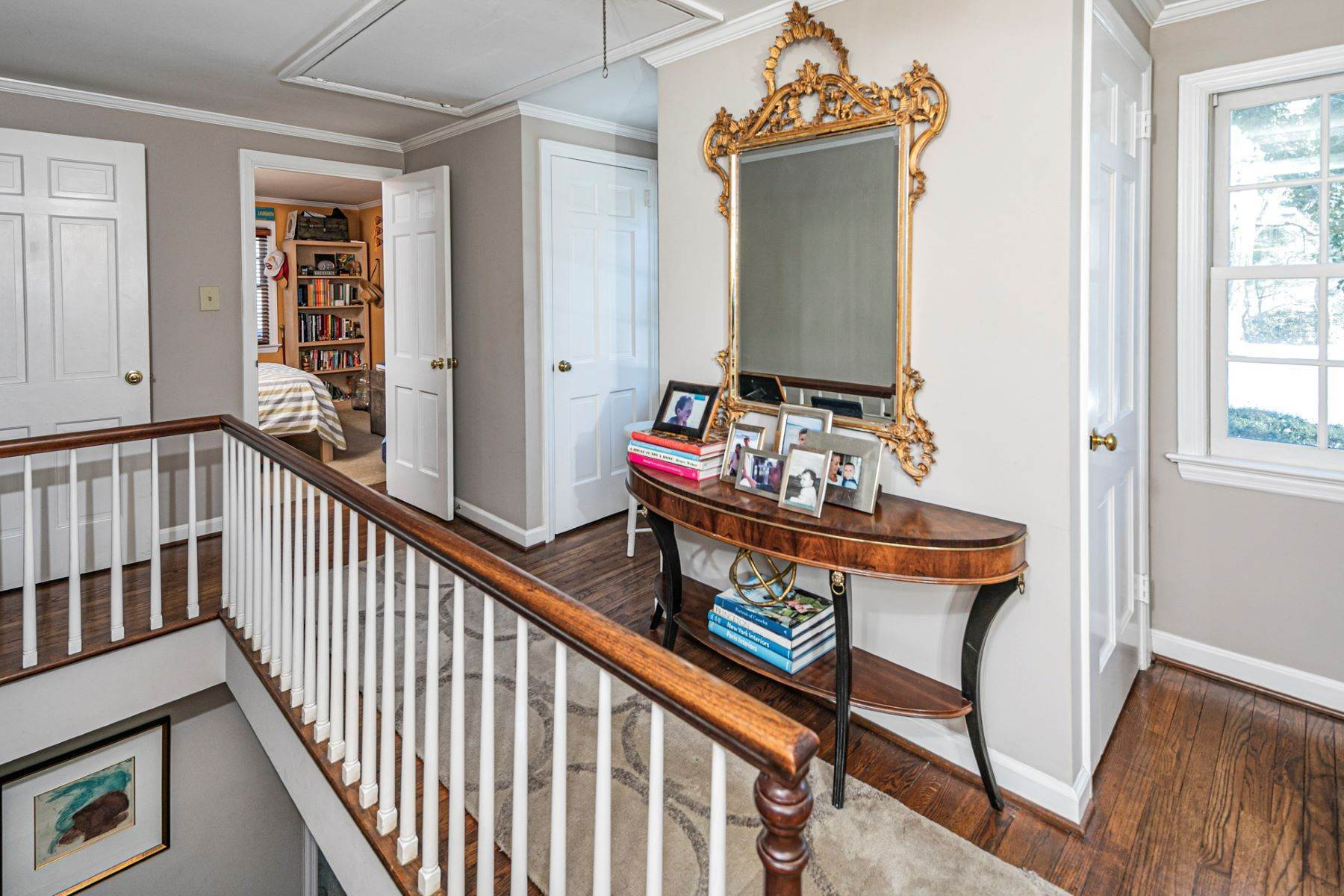 34. Single Family Homes for Sale at Poised And Polished In A Terrific Part Of Town 16 Hunter Road, Princeton, New Jersey 08540 United States