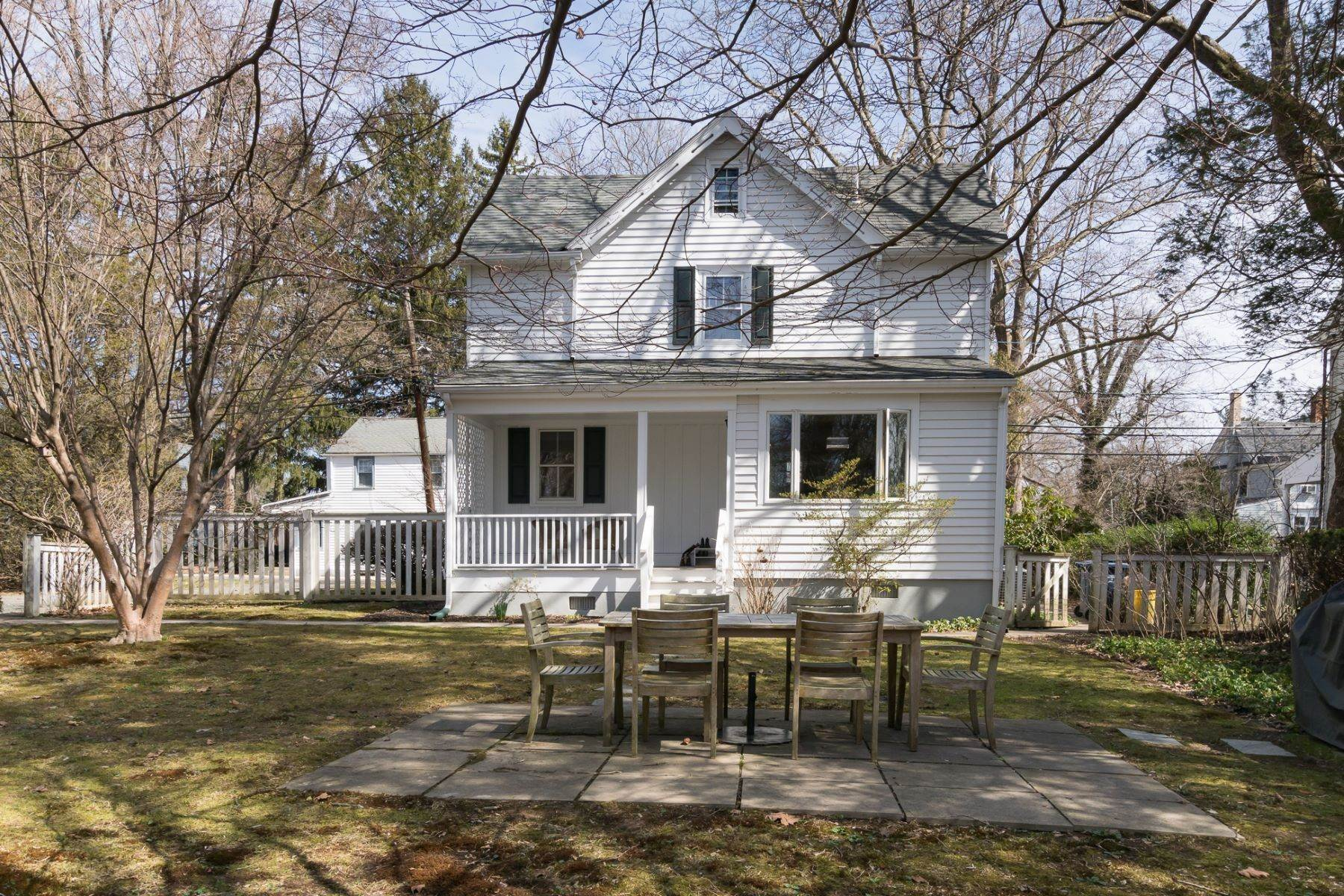 29. Single Family Homes for Sale at Storybook Home on a Stroll-Everywhere Street 5 Titus Avenue, Lawrenceville, New Jersey 08648 United States