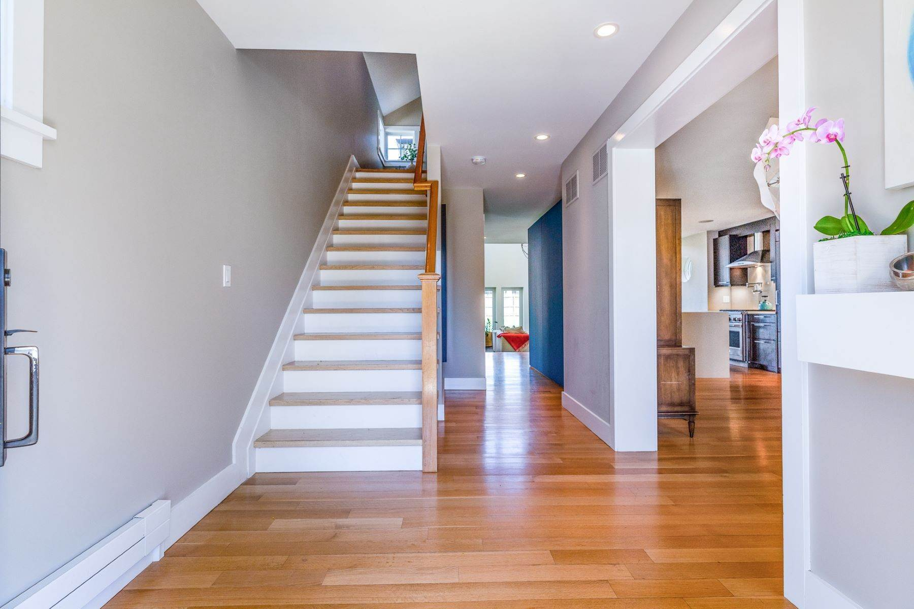 16. Single Family Homes for Sale at A Modern Transformation by Mercer General Works 22 Fisher Avenue, Princeton, New Jersey 08540 United States