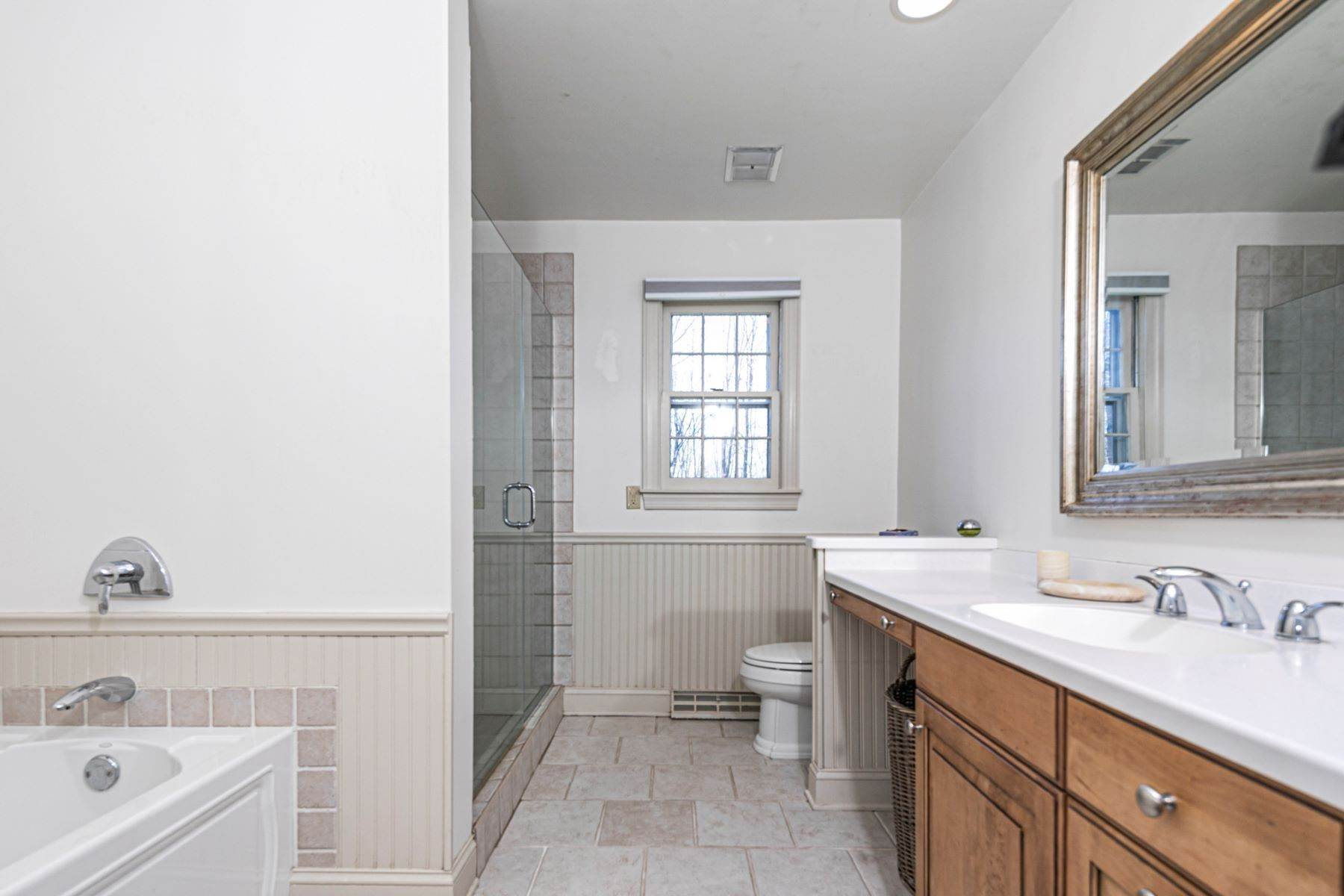 31. Single Family Homes for Sale at A New Kitchen And Updated Baths Make This Home Sparkle 91 West Shore Drive, Pennington, New Jersey 08534 United States