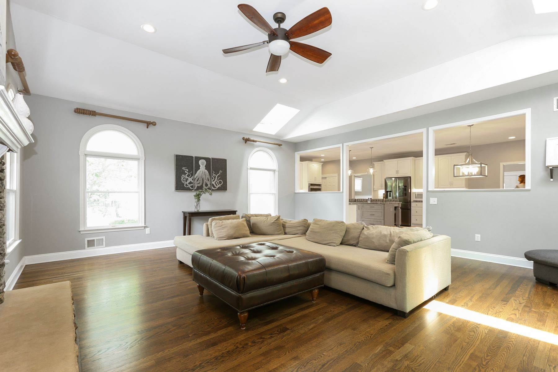 6. Single Family Homes for Sale at Stellar 5-bedroom Home With A Lush Pool Setting 75 Franklin Drive, Belle Mead, New Jersey 08502 United States
