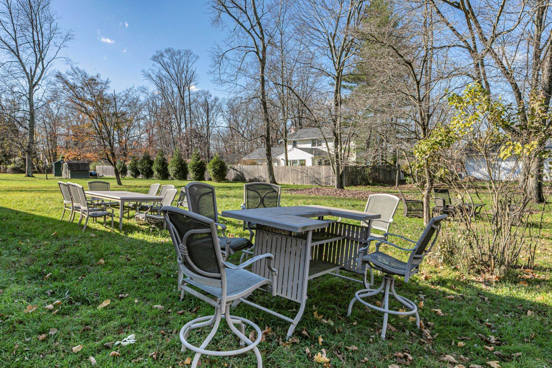 30. Single Family Homes for Sale at Pristine and Stylish, with Sunshine for Days 88 Mountainview Road, Ewing, New Jersey 08628 United States