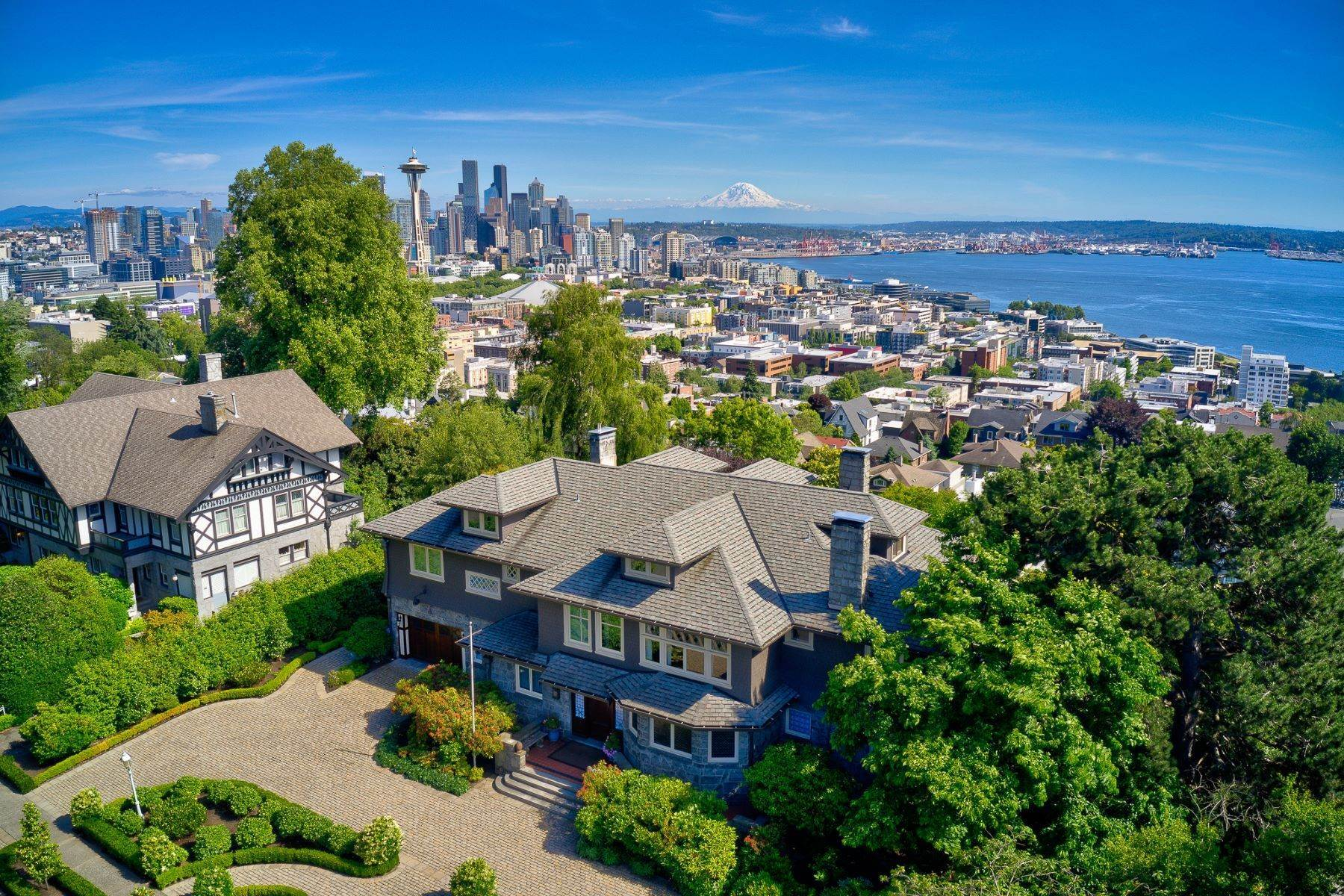 Single Family Homes 용 매매 에 421 W Highland Dr , Seattle, WA 98119 Seattle, 워싱톤 98119 미국