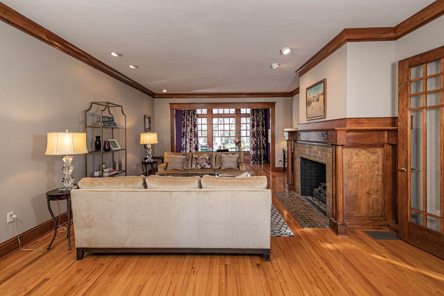 5. Single Family Homes for Sale at Arts and Crafts Showplace in The Preserve 36 Oakridge Court, Princeton, New Jersey 08540 United States