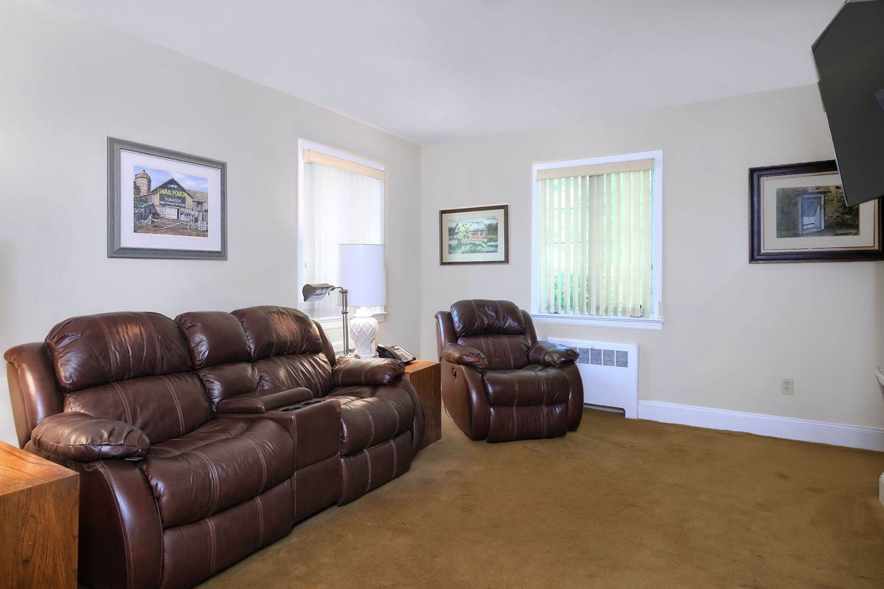 14. Single Family Homes for Sale at Stylish and spacious Ranch plus Income Units 200 Highway 12, Flemington, New Jersey 08822 United States