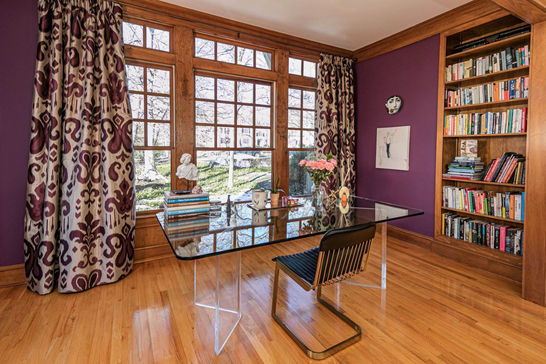 6. Single Family Homes for Sale at Arts and Crafts Showplace in The Preserve 36 Oakridge Court, Princeton, New Jersey 08540 United States