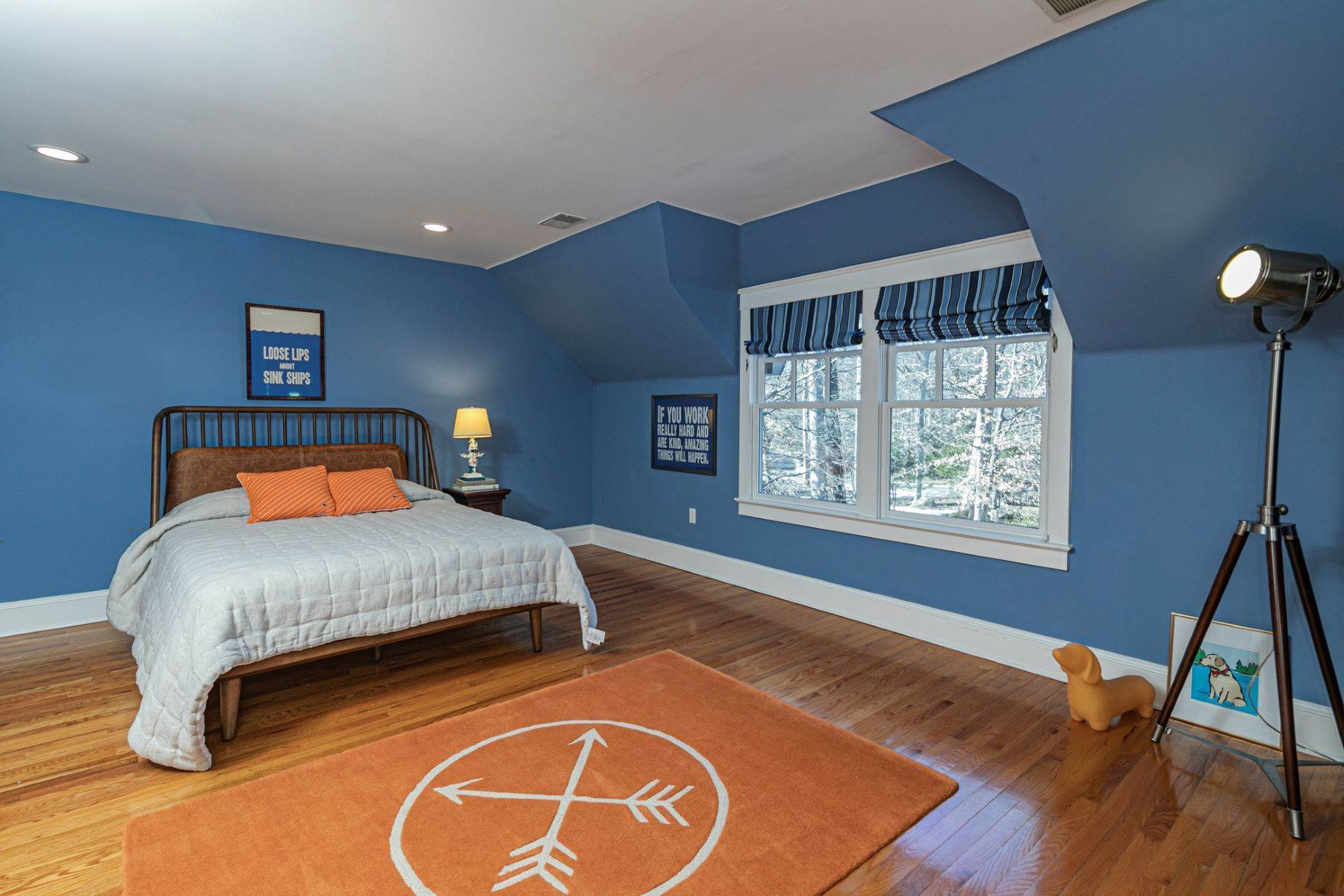 24. Single Family Homes for Sale at Arts and Crafts Showplace in The Preserve 36 Oakridge Court, Princeton, New Jersey 08540 United States