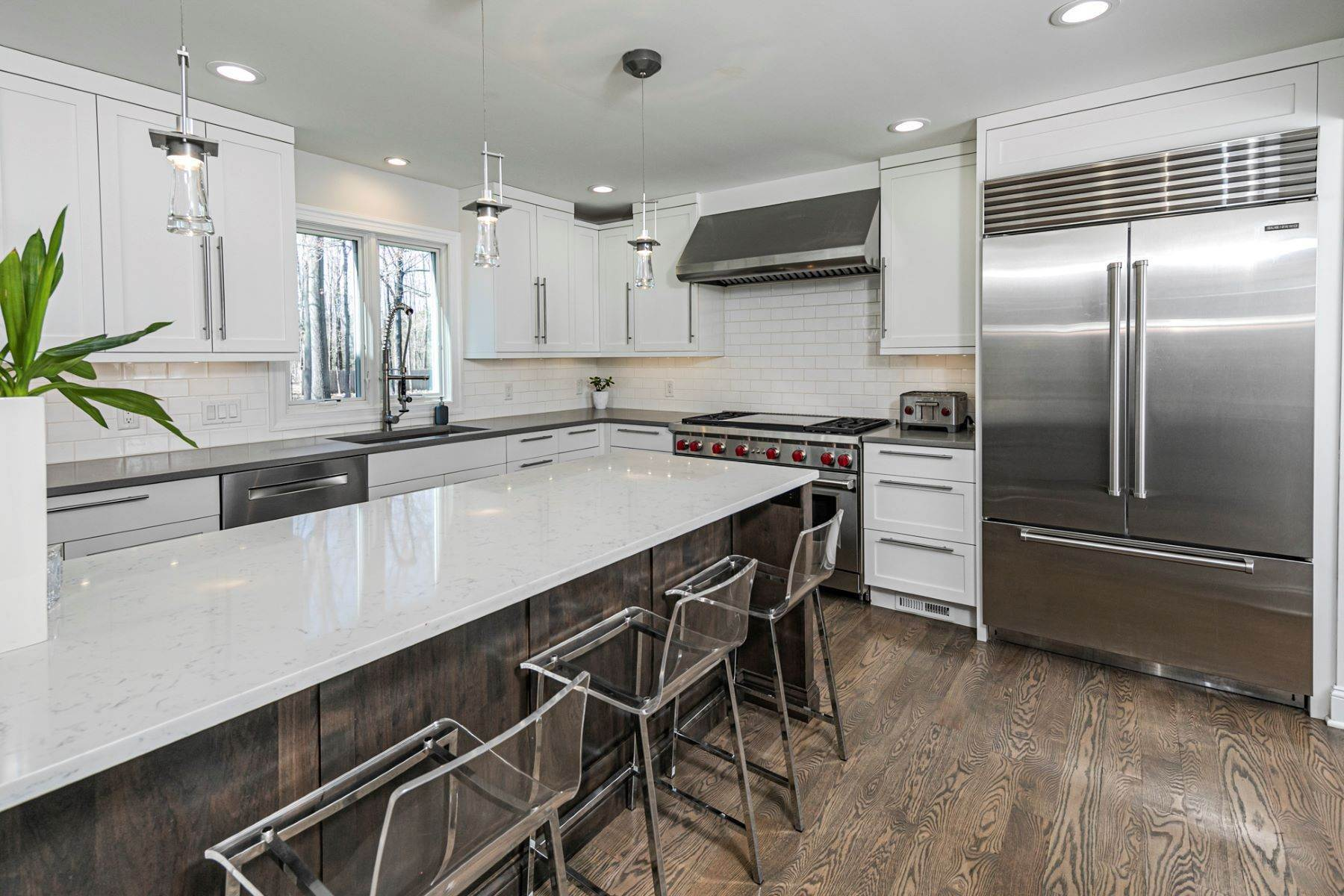 14. Single Family Homes for Sale at A New Kitchen And Updated Baths Make This Home Sparkle 91 West Shore Drive, Pennington, New Jersey 08534 United States