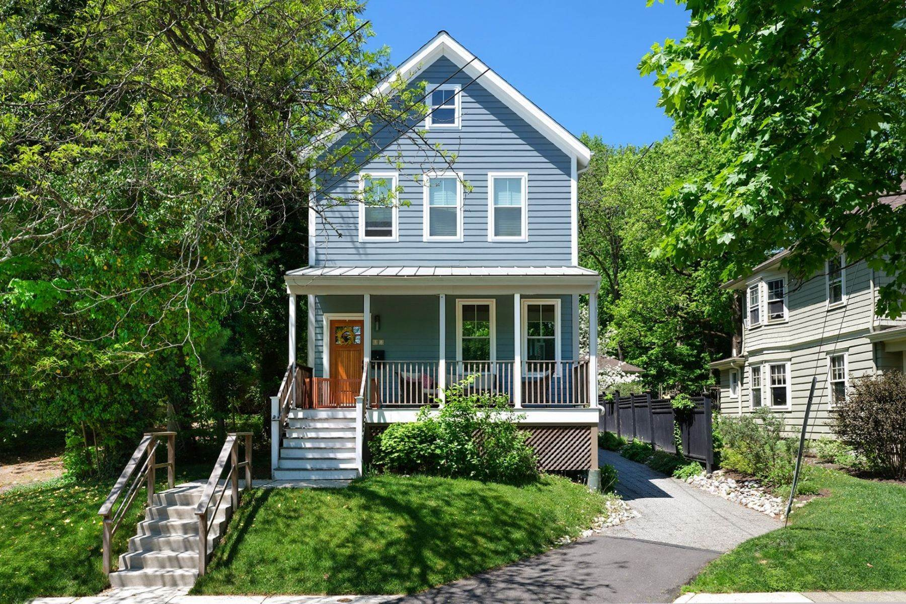 Single Family Homes bei Modern Vibe and So Close to All Borough Happenings 18 Hart Avenue, Hopewell, New Jersey 08525 Vereinigte Staaten