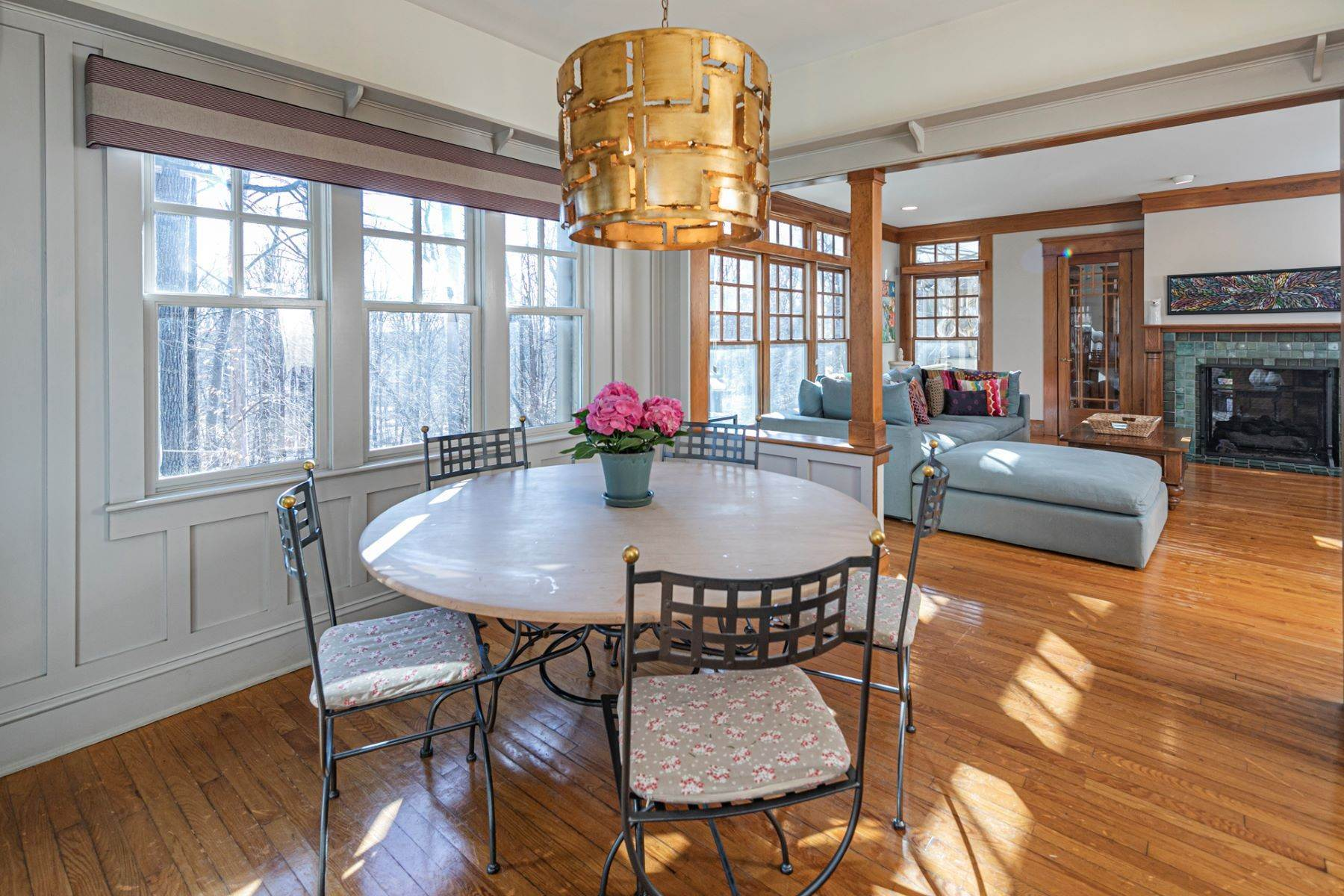 14. Single Family Homes for Sale at Arts and Crafts Showplace in The Preserve 36 Oakridge Court, Princeton, New Jersey 08540 United States