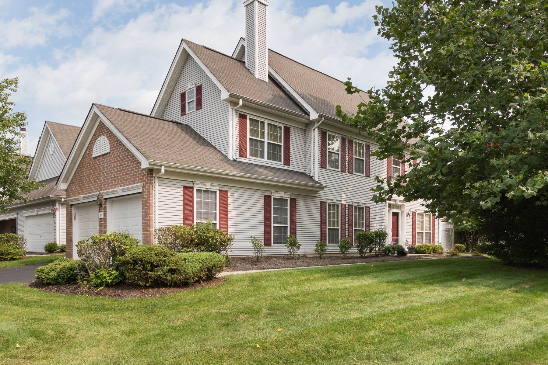 townhouses vid Stylish End-Unit In Convenient Twin Pines 171 Coburn Road, Pennington, New Jersey 08534 Förenta staterna