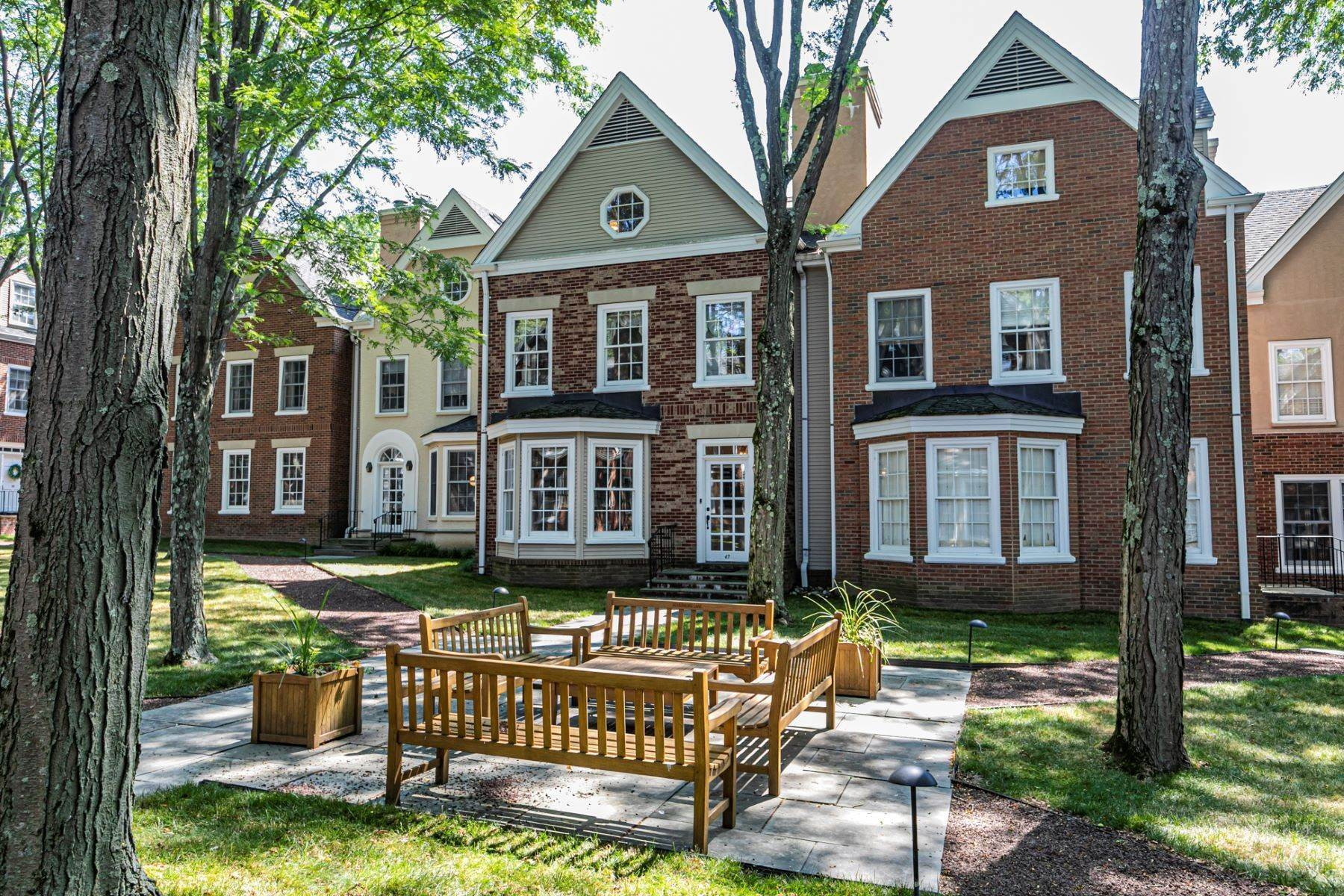 townhouses voor Verkoop op The Pinnacle of Townhouse Living 47 Governors Lane, Princeton, New Jersey 08540 Verenigde Staten