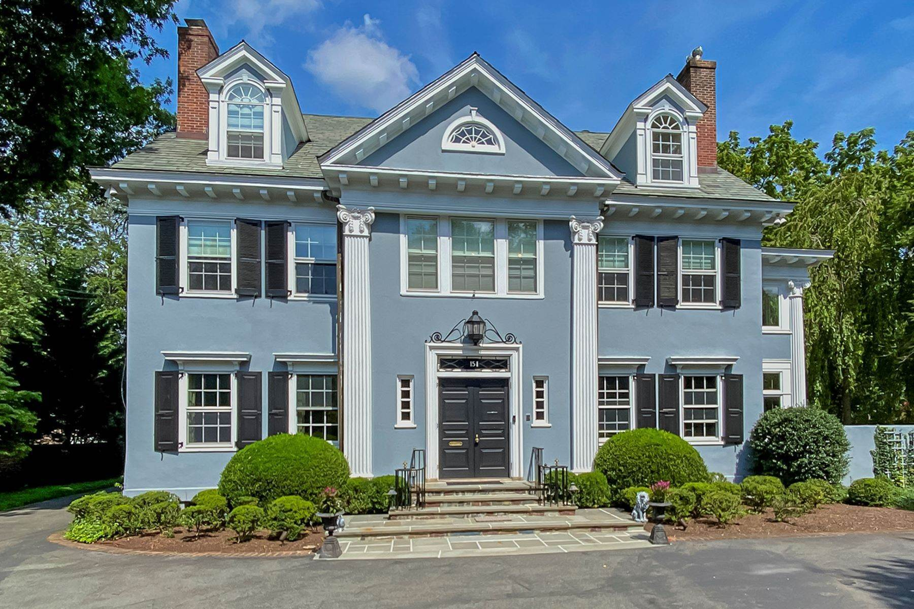 Single Family Homes for Sale at Elegant, Easy-Living Versatility on Library Place 151 Library Place, Princeton, New Jersey 08540 United States