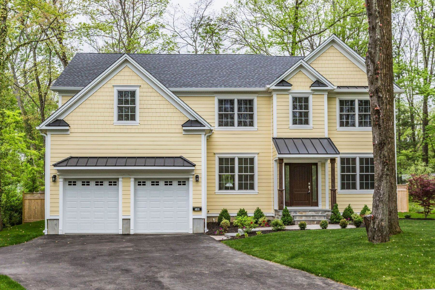 Single Family Homes for Sale at Eye-Catching Finishes Shine In This Like-New Home 546 Ewing Street, Princeton, New Jersey 08540 United States