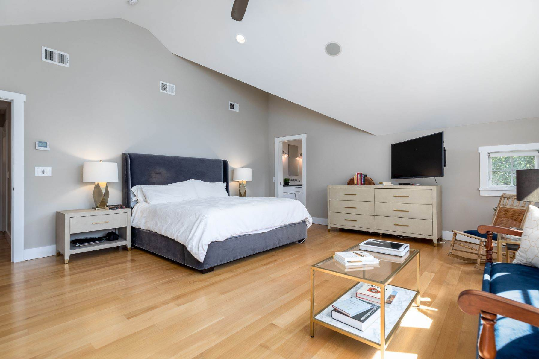 19. Single Family Homes for Sale at A Modern Transformation by Mercer General Works 22 Fisher Avenue, Princeton, New Jersey 08540 United States