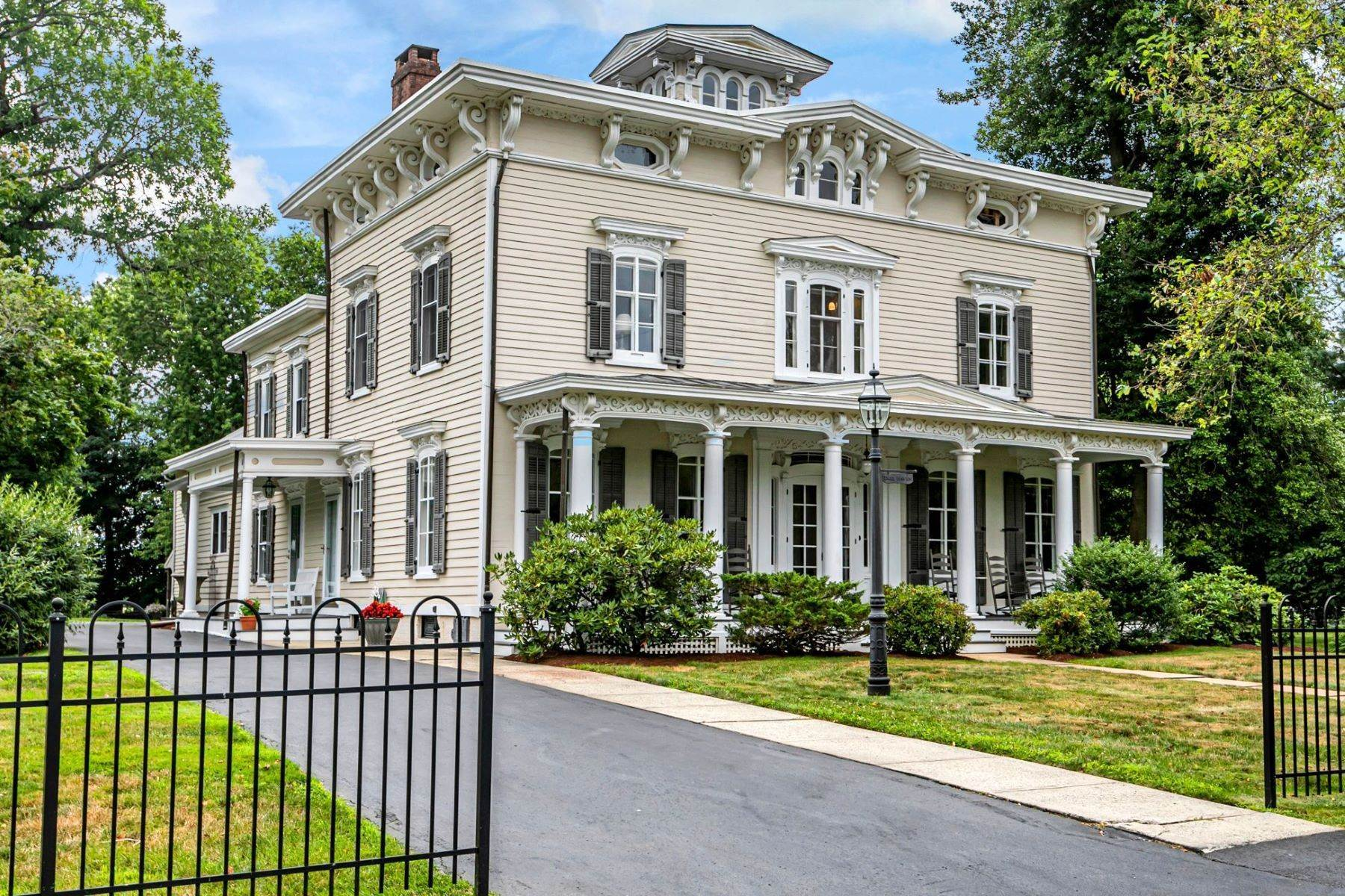 Single Family Homes à Pride of Place in Historic Allentown 123 South Main Street, Allentown, New Jersey 08501 États-Unis