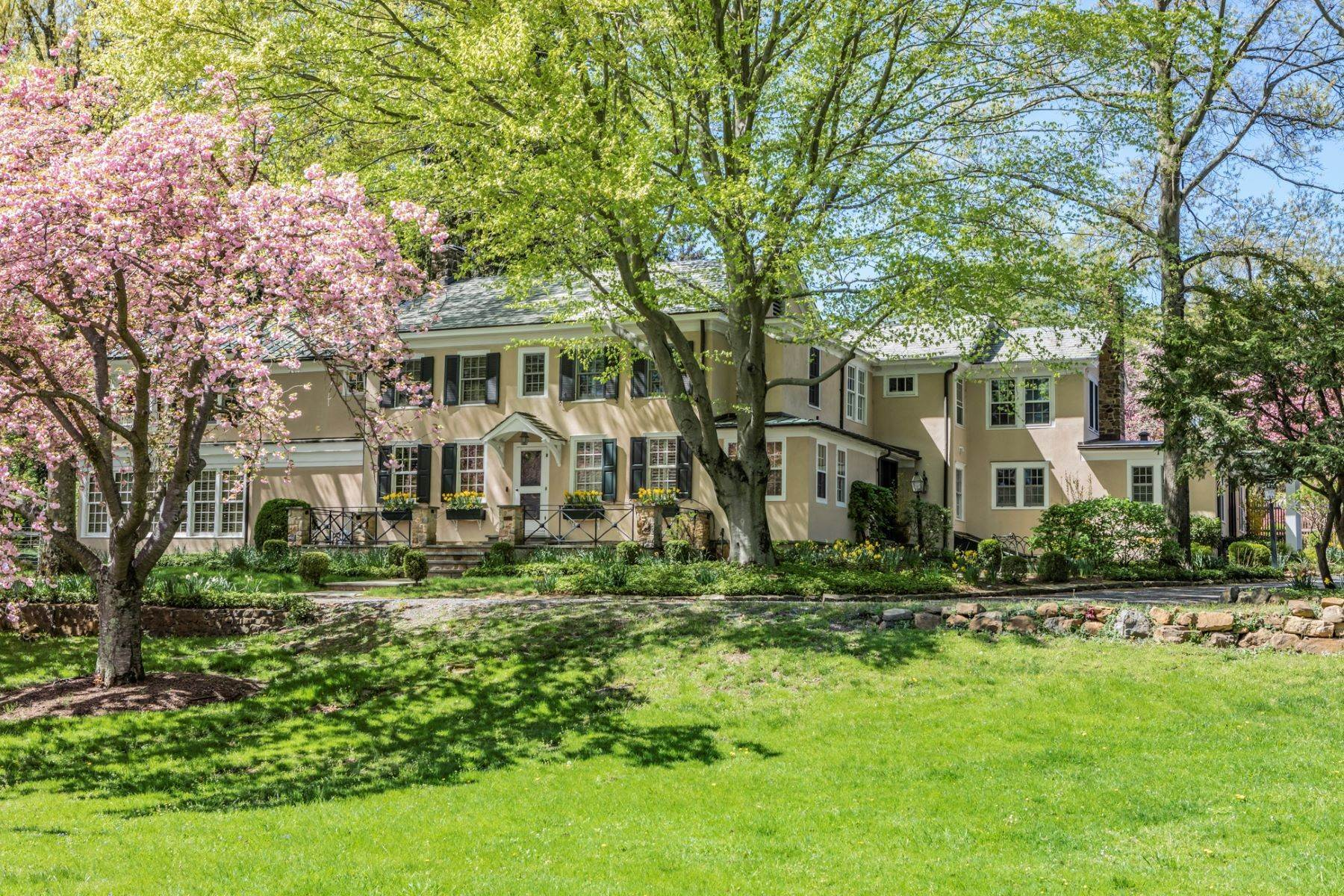 Single Family Homes for Sale at Sophisticated Country-Style Retreat Like No Other 1075 Great Road, Princeton, New Jersey 08540 United States