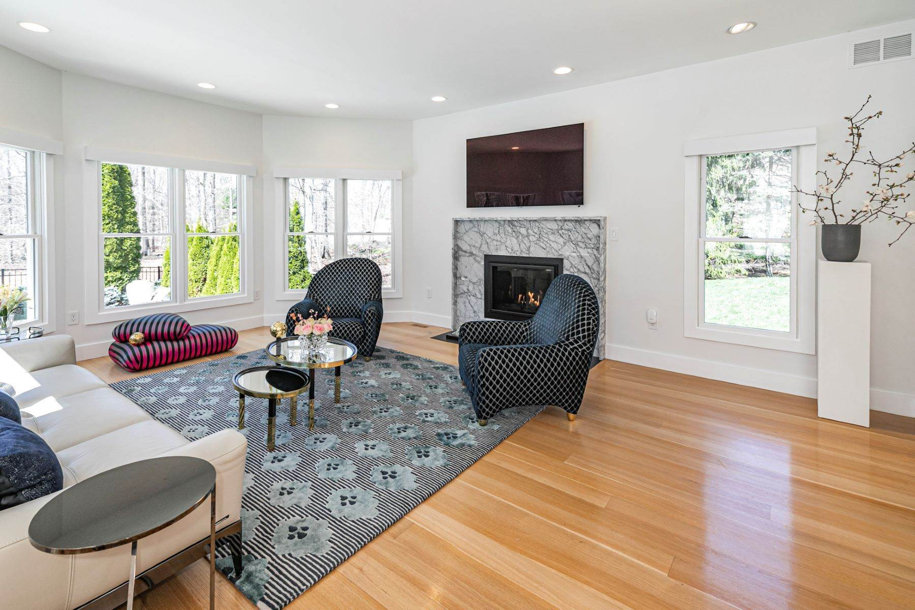 18. Single Family Homes για την Πώληση στο A Bold Renovation Results in Bright Modern Spaces 97 & 95 Penn Lyle Road, Princeton Junction, Νιου Τζερσεϋ 08550 Ηνωμένες Πολιτείες