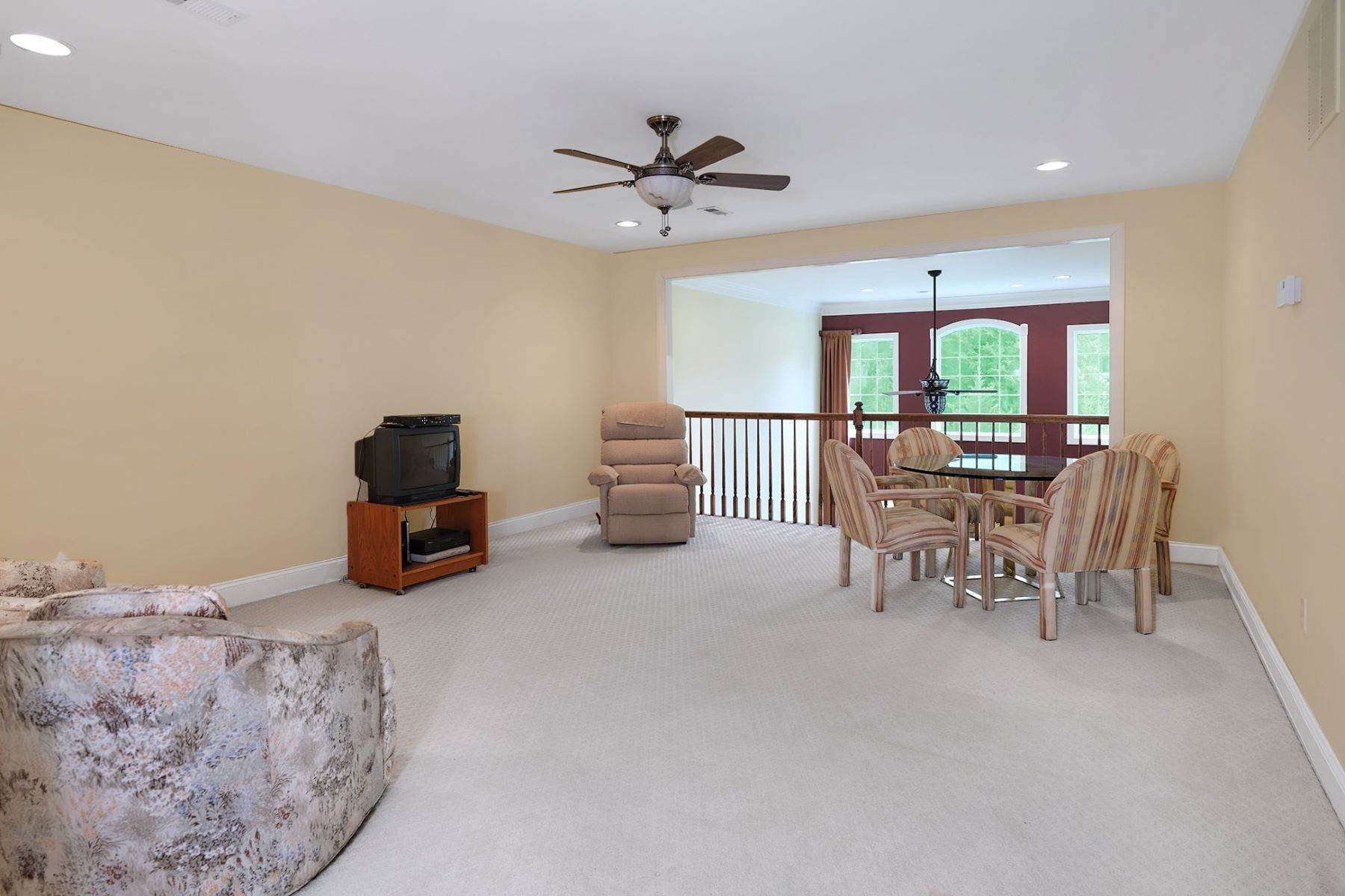 17. Condominiums for Sale at In Ventana At Lawrenceville 8 Schindler Court, Lawrenceville, New Jersey 08648 United States