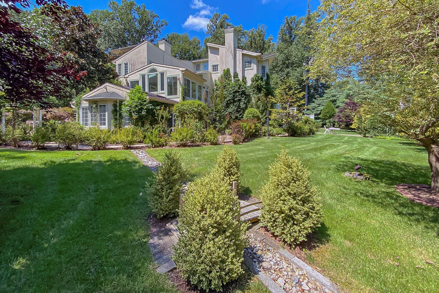 46. Single Family Homes for Sale at A Sprawling Showplace Where East Meets West 76 Pettit Place, Princeton, New Jersey 08540 United States