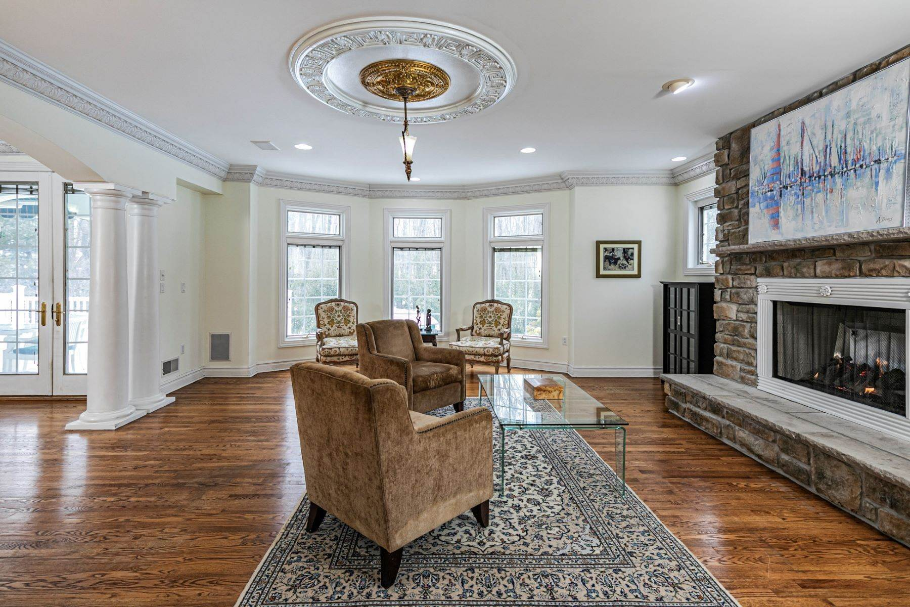 14. Single Family Homes for Sale at A Sprawling Showplace Where East Meets West 76 Pettit Place, Princeton, New Jersey 08540 United States