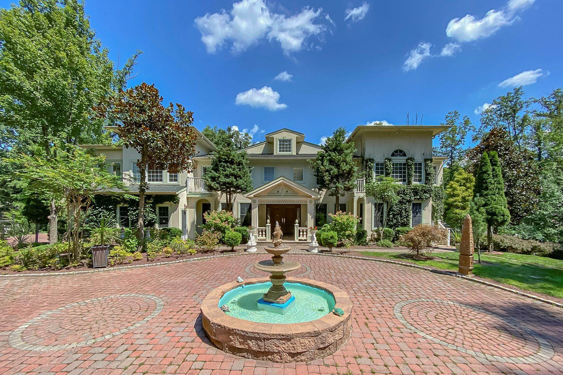 49. Single Family Homes for Sale at A Sprawling Showplace Where East Meets West 76 Pettit Place, Princeton, New Jersey 08540 United States