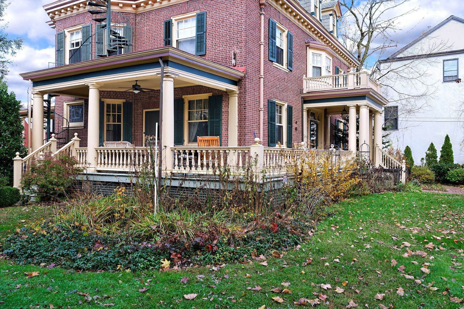 24. Single Family Homes のために 売買 アット A Once In A Lifetime Home 42 York Street, Lambertville, ニュージャージー 08530 アメリカ