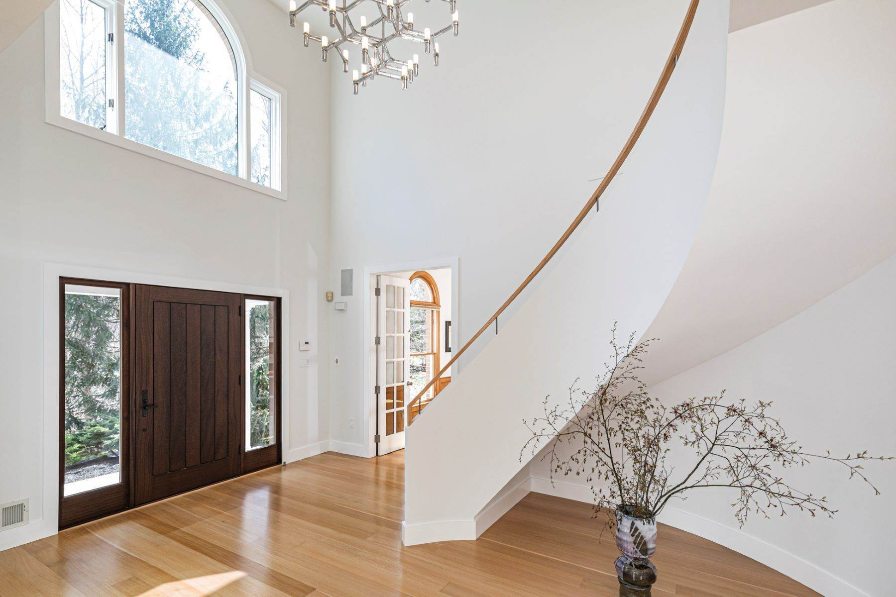 4. Single Family Homes για την Πώληση στο A Bold Renovation Results in Bright Modern Spaces 97 & 95 Penn Lyle Road, Princeton Junction, Νιου Τζερσεϋ 08550 Ηνωμένες Πολιτείες