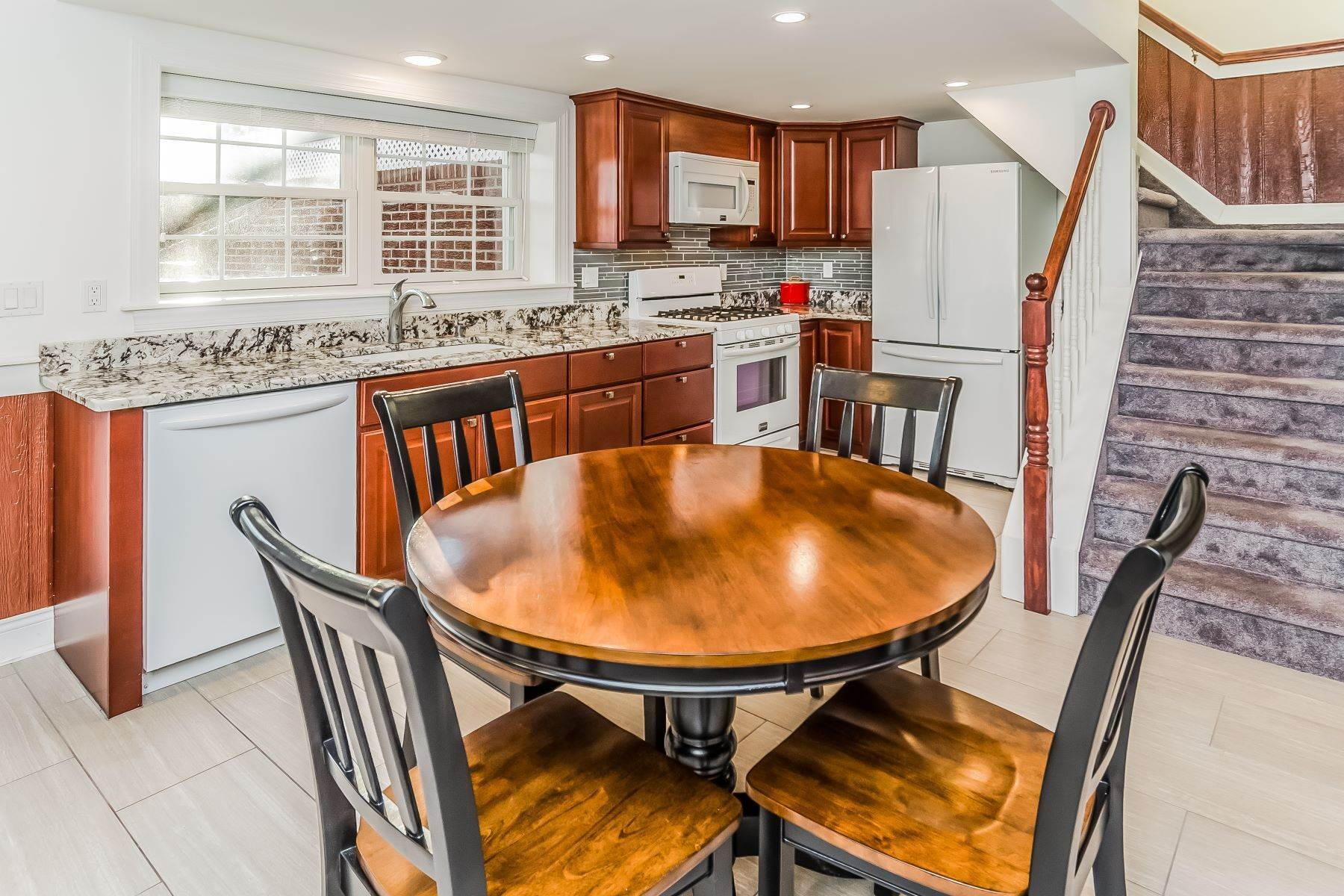 20. Single Family Homes for Sale at Multi-Generational Living At Its Best 427 Belle Mead Griggstown Road, Belle Mead, New Jersey 08502 United States