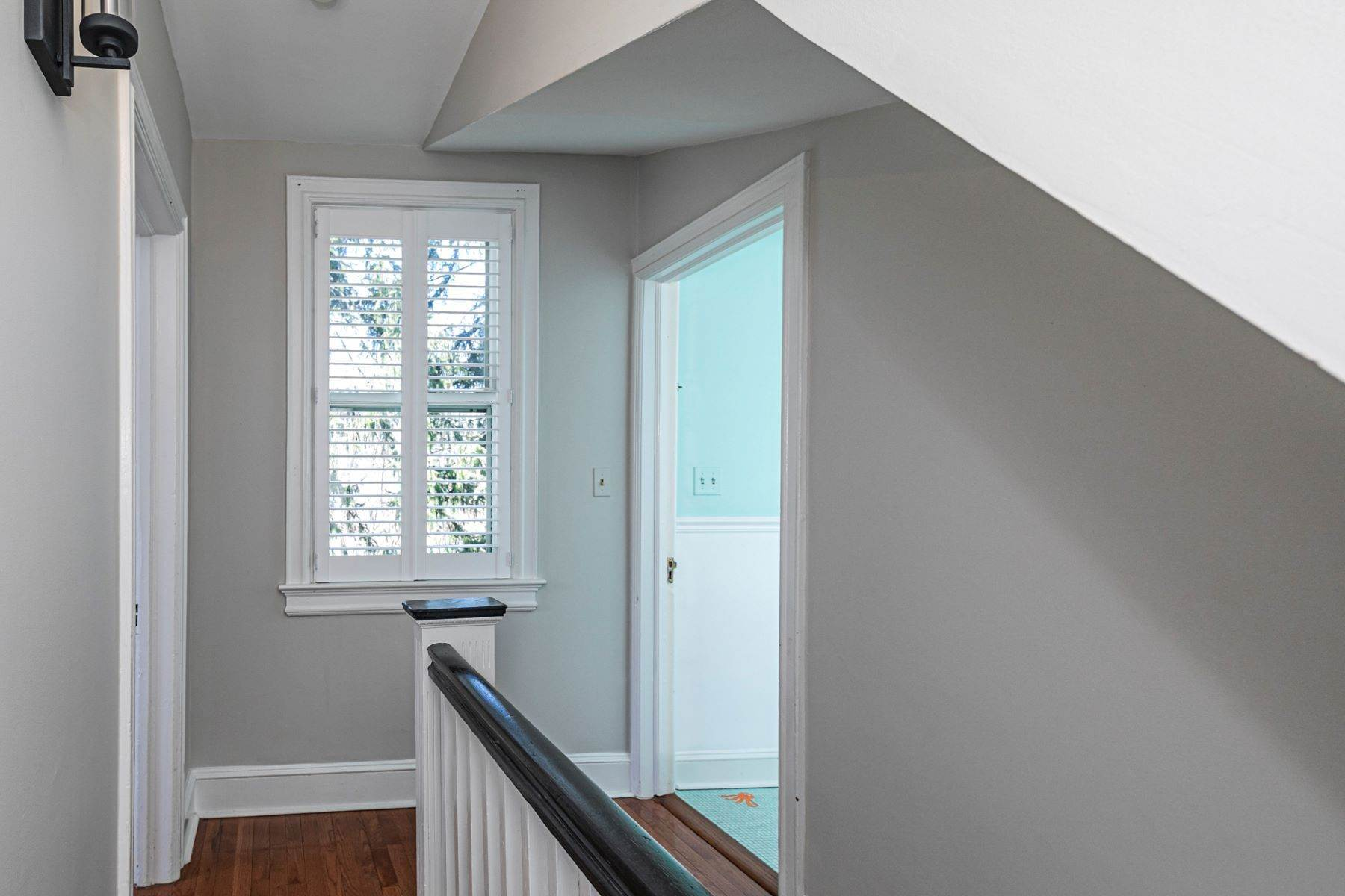 22. Single Family Homes for Sale at Picture Perfect Home Steps From Main Street 10 Green Avenue, Lawrenceville, New Jersey 08648 United States