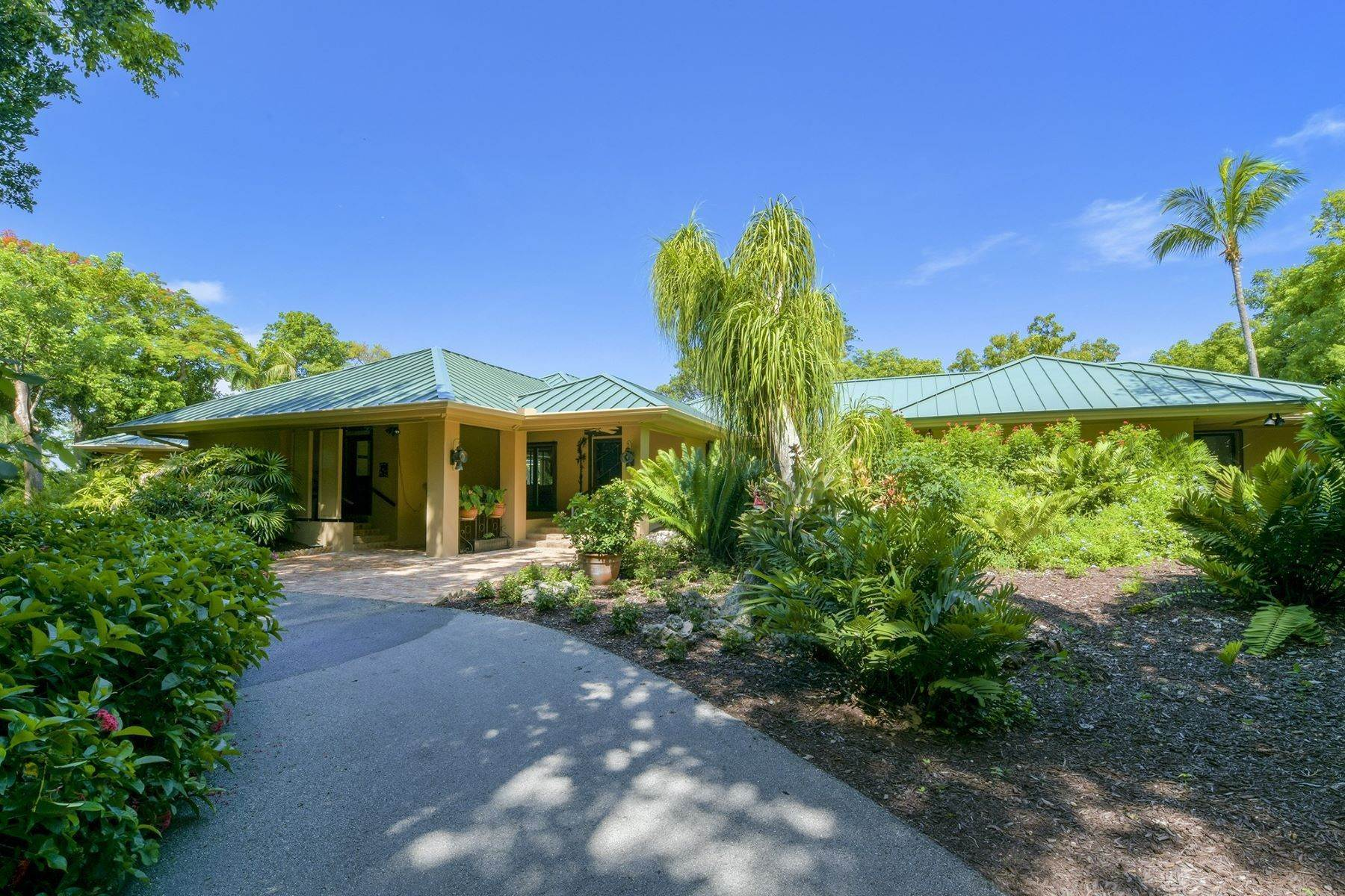 22. Property for Sale at 10 Cannon Point, Key Largo, FL Key Largo, Florida 33037 United States