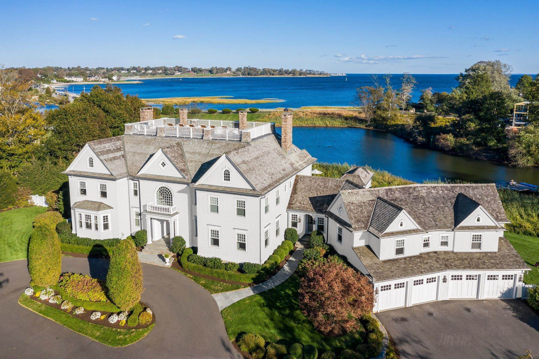 Single Family Homes vì Bán tại Breathtaking Waterfront Estate in Greens Farms Neighborhood 5 Hedley Farms Road, Westport, Connecticut 06880 Hoa Kỳ